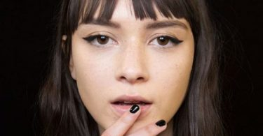 teleia-grammi-eyeliner-default-600x600.jpg